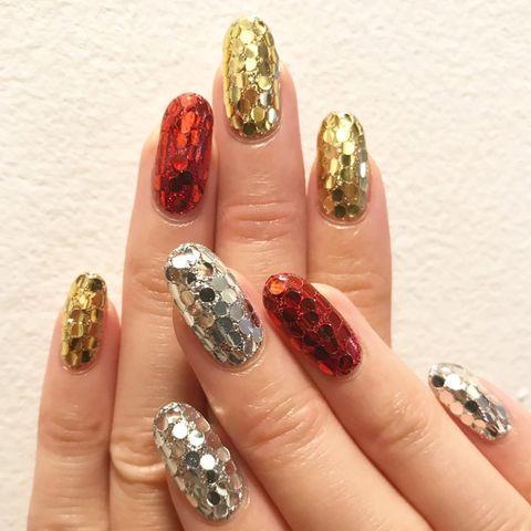 Шикарний новорічний манікюр на довгі нігті