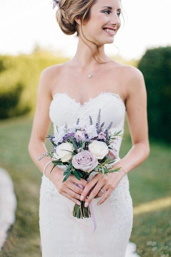 Весільні букети для нареченої, ідеї модних квіткових композицій