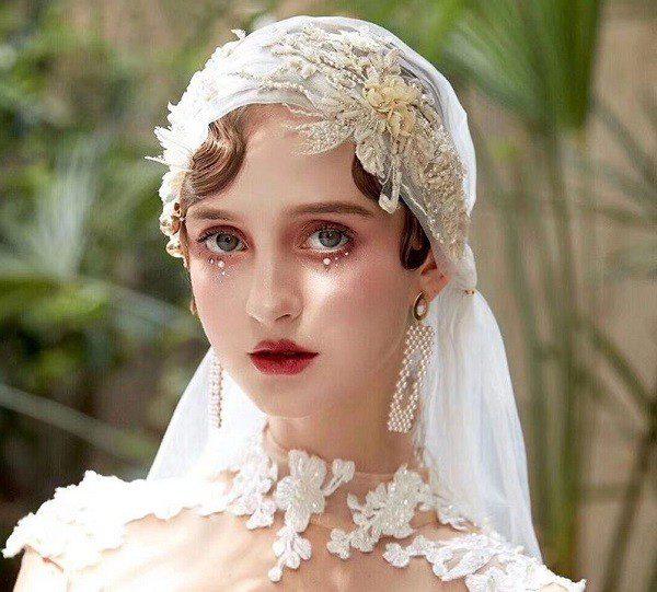 Ідеї модних прикрас для весільної зачіски