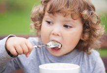 Які продукти не варто давати дітям до 5 років