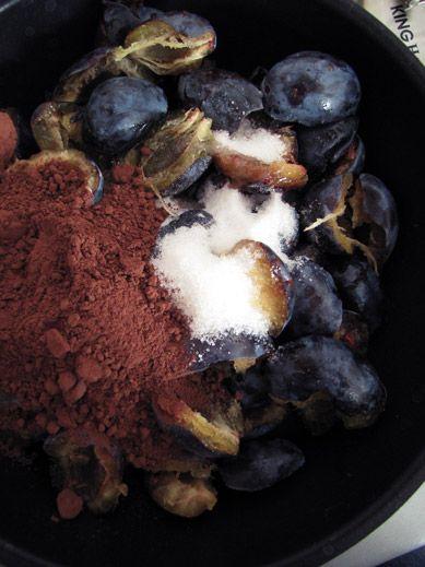 Рецепт сливового варення з шоколадно-горіховим смаком