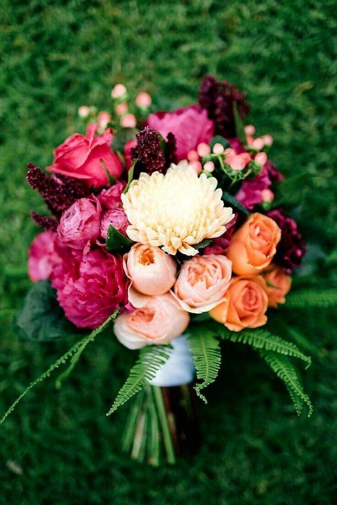 ідеї модних квіткових композицій для нареченої