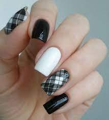 Чорно біле нейл-покриття на короткі нігті, ідеї нейл-покриття з фото