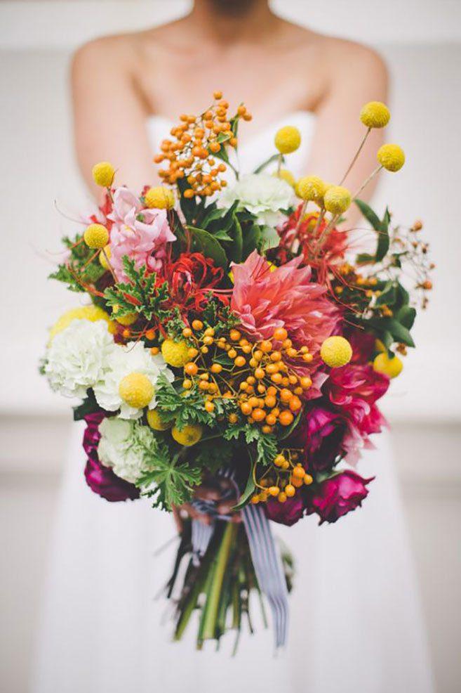 Весільні букети для нареченої, ідеї модних квіткових композицій 2021