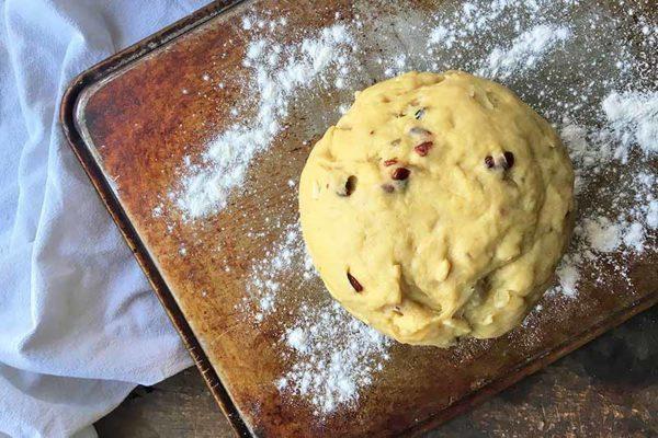 Рецепт паски з сиром і шоколадом на Великдень