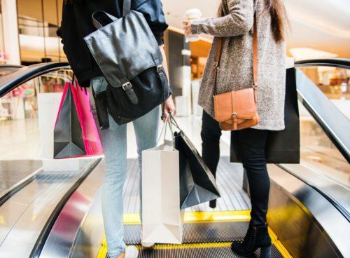 Цікаві факти про сумочки: як звичка носити сумочку характеризує її власницю