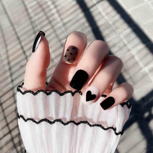ідеї нейл покриття з серцями, Чорно білий манікюр на короткі нігті