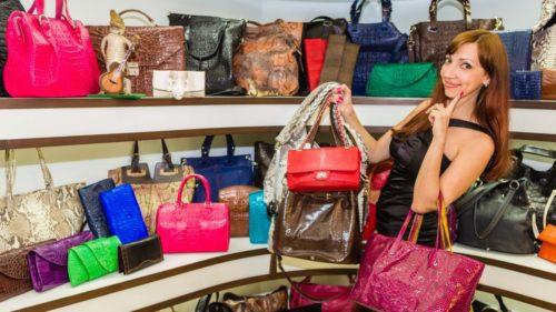 Цікаві факти про сумочку: як розмір і звичка носити сумочку характеризує її власницю