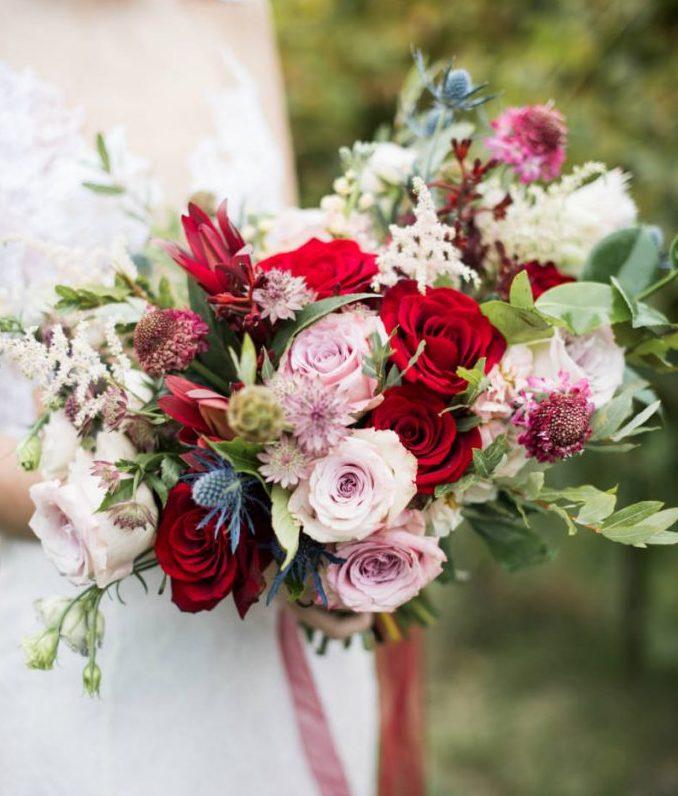 Весільні букети для нареченої, кращі ідеї модних квіткових композицій