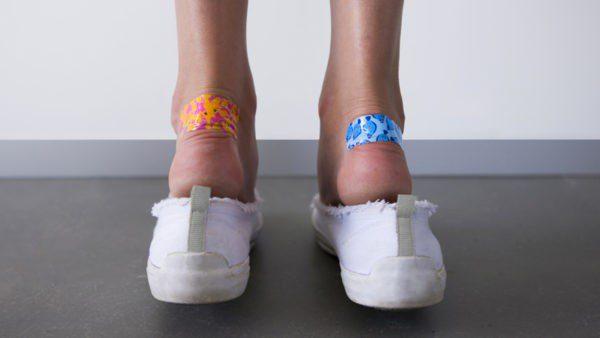 Що робити, якщо натирає нове взуття і як уникнути появи мозолів