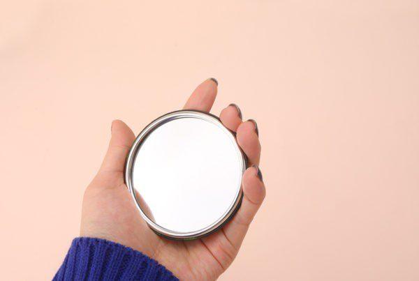 Замовляння, щоб бачити віщі сни на суботу і ритуал з дзеркалом