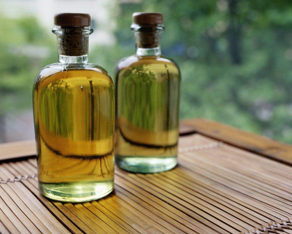 Як зробити вії пухнастими за допомогою рицинової олії