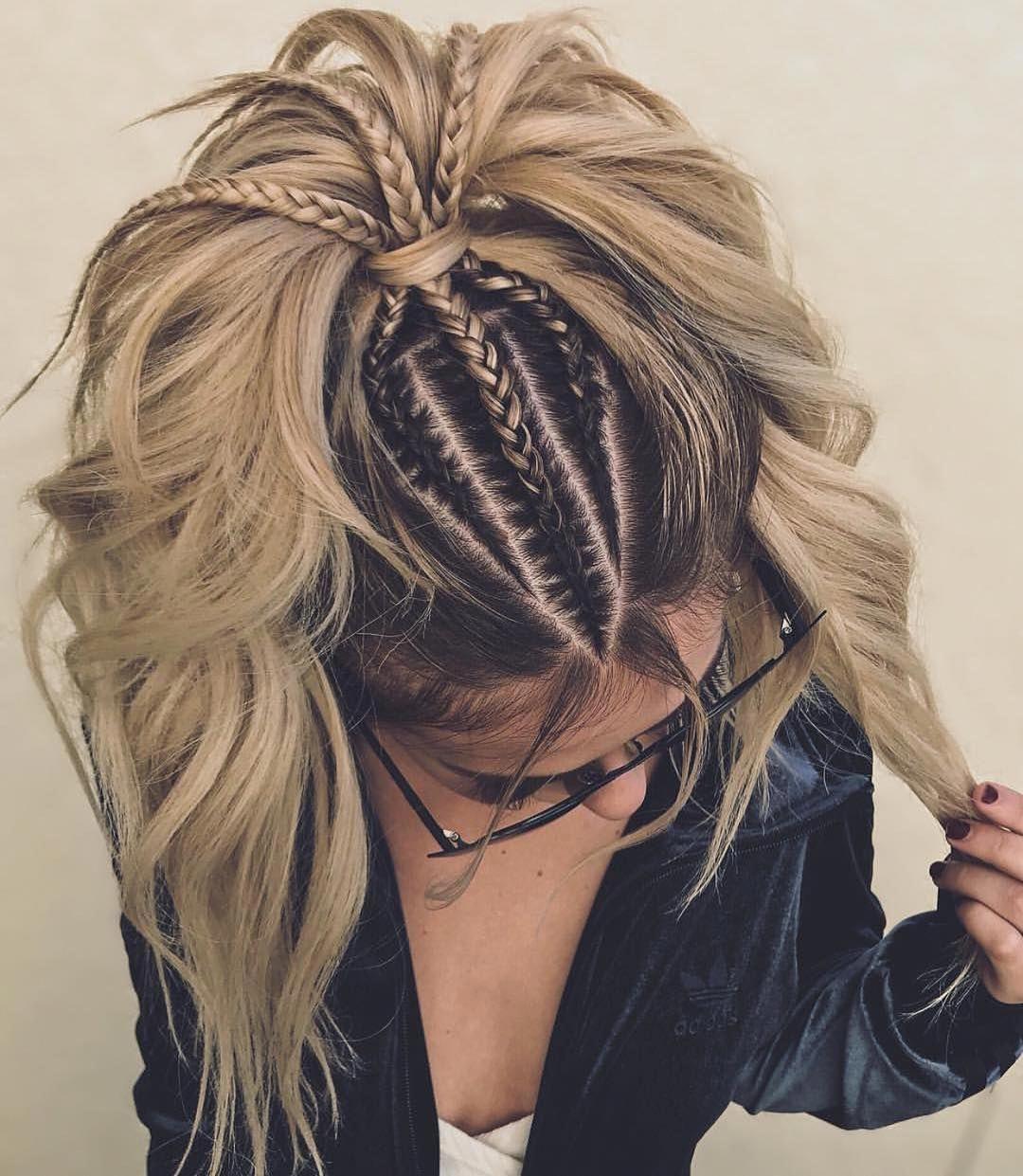 Випускний 2019 модні зачіски для довгого волосся, фото