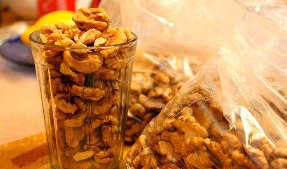 Як виміряти склянкою горіхи