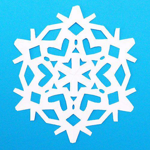 Ідея новорічного декору: сніжинка з паперу крок 10