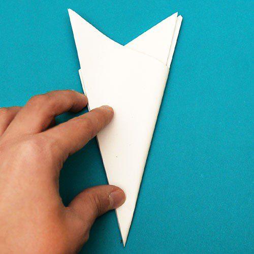 Ідея новорічного декору: сніжинка з паперу своїми руками крок 6