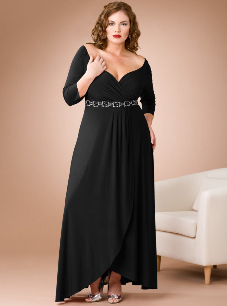 Святкова елегантна чорна максі сукня для нестандартної фігури