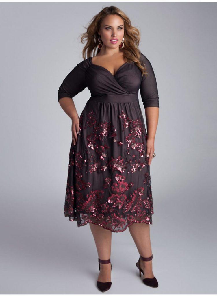 Нарядні сукні для плюс-сайз фігури: плаття нижче коліна шовкове з аплікацією