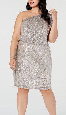 Блискуче плаття і плаття з паєтками на повну фігуру