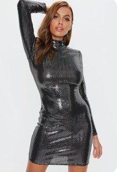 Блискуче чорне плаття