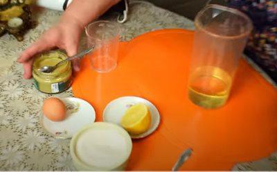 За рецептом, гірчиця - необхідний інгредієнт для приготування майонезу
