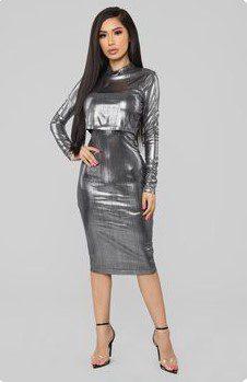 Блискуча сукня металік